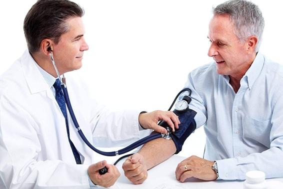 Huyết áp bình thường của người già bao nhiêu là ổn định?